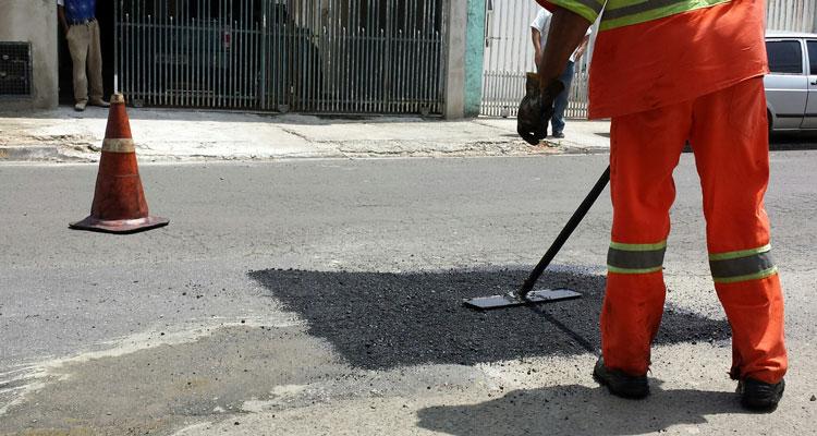 Prefeitura se programa para operação tapa-buracos