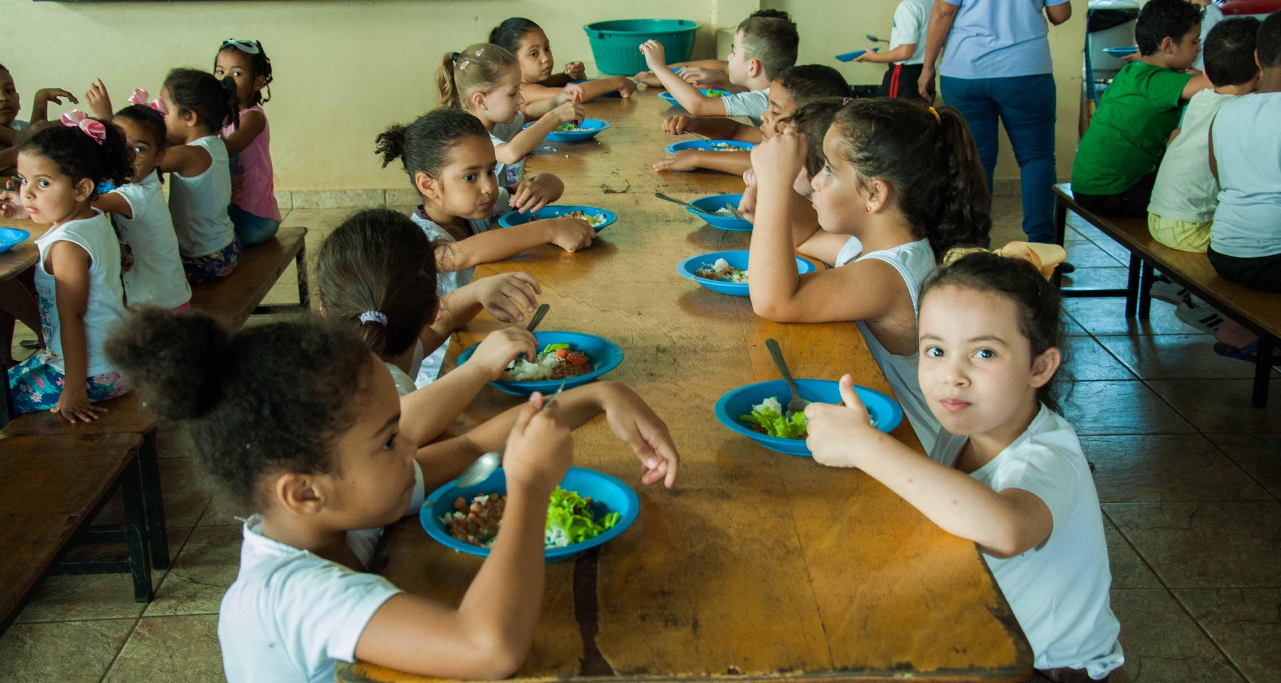 Merenda: Educação faz ajustes na rede de ensino