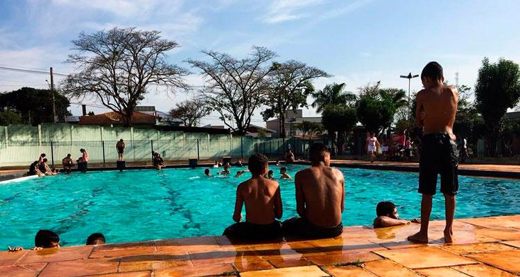 CME reabre piscina do Centro de Lazer