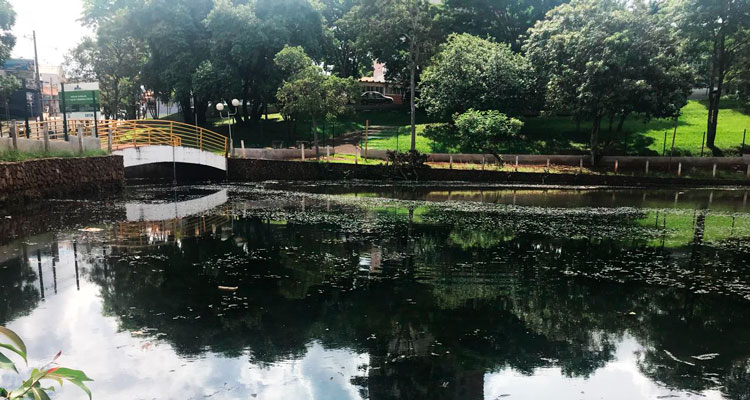 Fábio Zuza solicita desassoreamento da lagoa do Centro de Lazer