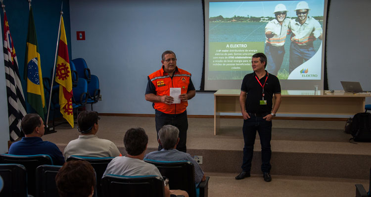Defesa Civil e Elektro promovem palestra na ACIAI