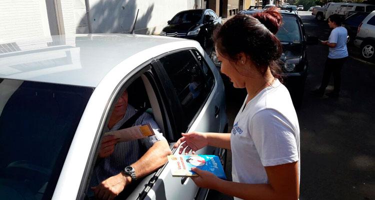 Prefeitura e alunos da escola Cesarino Borba fazem campanha sobre uso consciente da água
