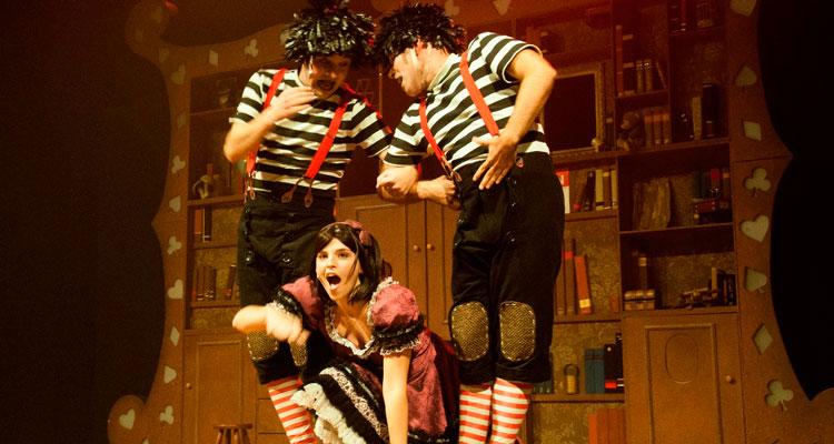 """""""Alice, o Musical"""" lota o Teatro"""