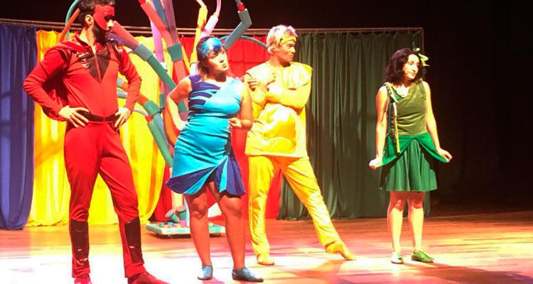 """""""Flicts"""" repete sucesso no Teatro Virgínio Ometto"""