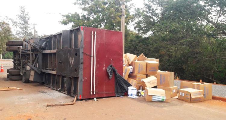 GCM localiza duas carretas com carga roubada