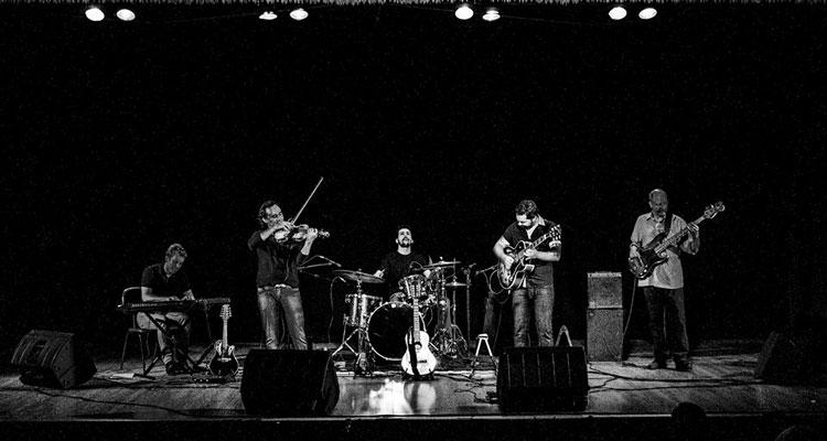 Grupo de jazz faz show gratuito no CRECI