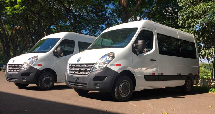 Prefeitura adquire duas novas Vans para a Educação
