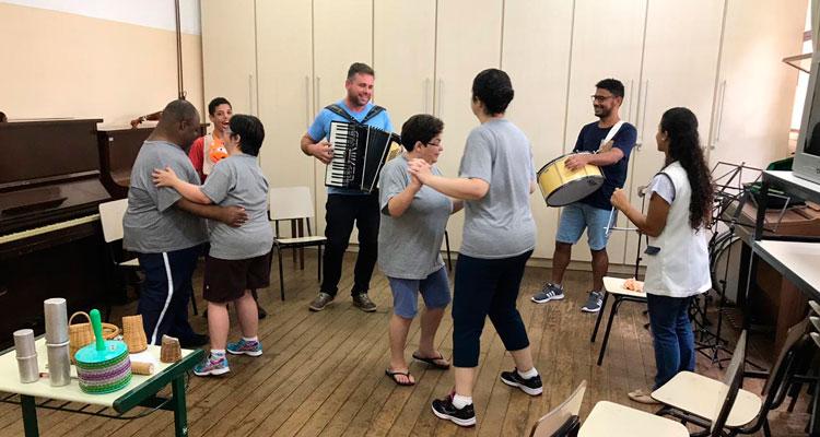 Parceria entre Prefeitura e ARIL gera curso de musicalização